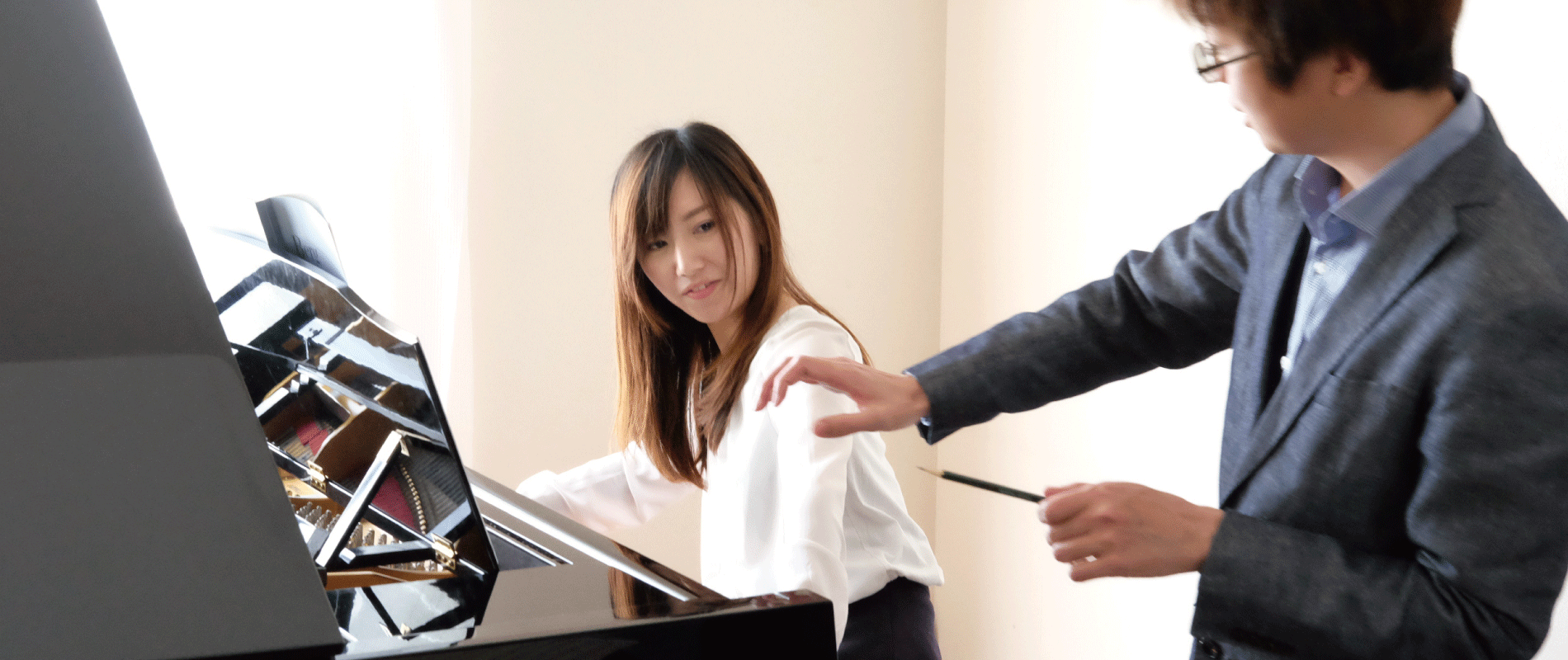 大人のためのピアノレッスンと音楽理論レッスン